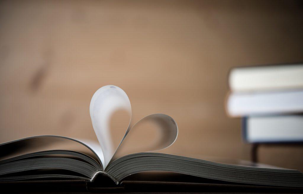 jaka dedykacja do książki dla ukochanej osoby?